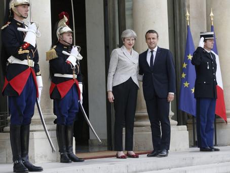 Πρόταση Βρετανίας και Γαλλίας για πρόστιμα σε Facebook και Twitter όταν δεν αποσύρουν εξτρεμιστικό υ