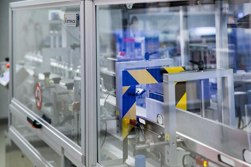 Etiketeer machine - farma