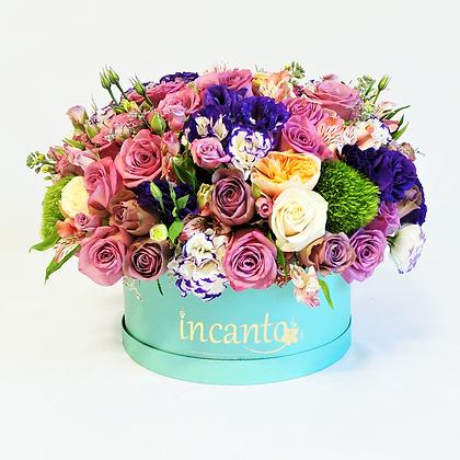Caja azul flores mixtas