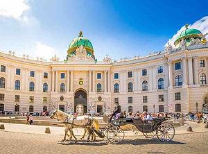 Budapest to Vienna private transfer