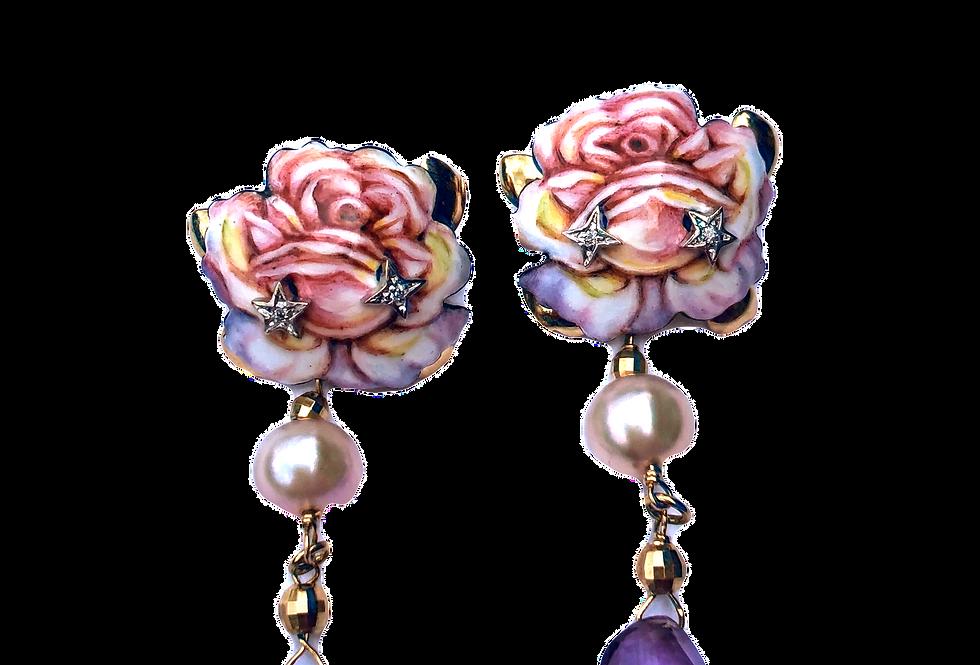 RIVALTA Orecchini Rosa in oro dipinto a mano con diamanti, perla e ametista