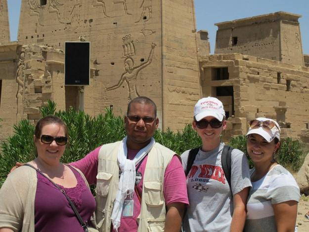 Christine, Tour Guide, Tory Burnett, Lau