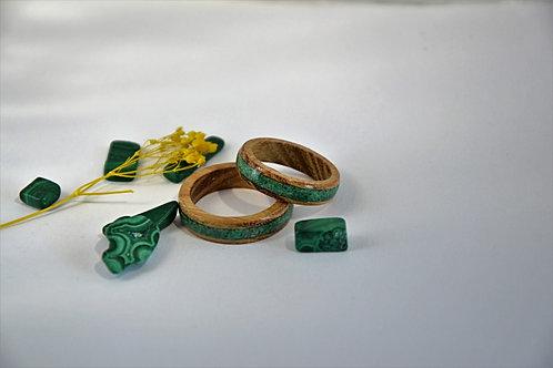 Bague en bois et pierre, alliance,  anneau en bois avec Malachite