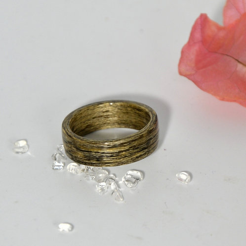 Bague en bois , alliance,  anneau en bois courbé gris