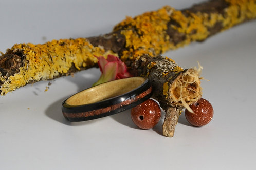 Soirée a Miami, Bague en bois courbé ébène avec incrustation sable d'or