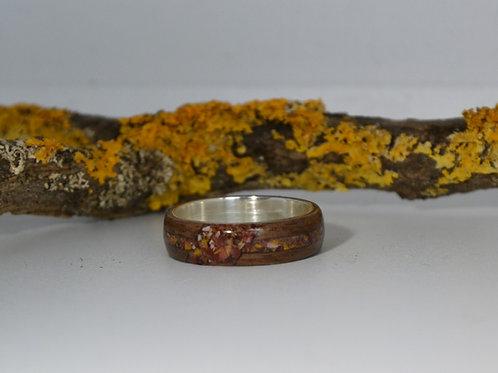 Champ de fleurs, Bague en argent et bois avec incrustation des Jadéite