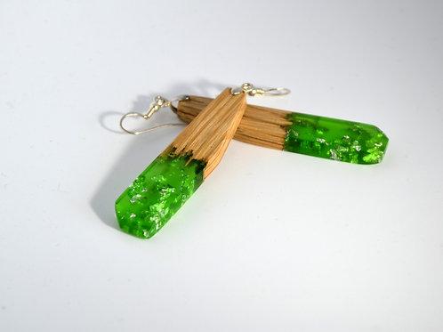 Boucles d'oreilles vert avec des feuille d'argent et bois Chêne