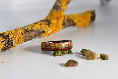 Écailles de dragon ,Bague en bois et pierre,anneau en zebrano avec Unakite