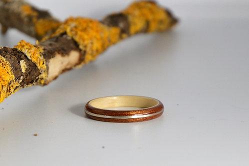 Bi-colore fin, Bague en bois courbé acajou avec incrustation d'argent