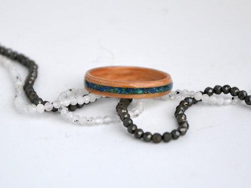Bague en bois et pierre, anneau en bois courbé avec Mélange de pierre