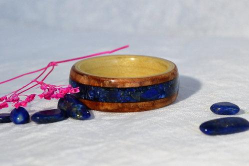 Bague en bois et pierre fine, alliance, anneau en bois courbé avec Lapis-lazuli