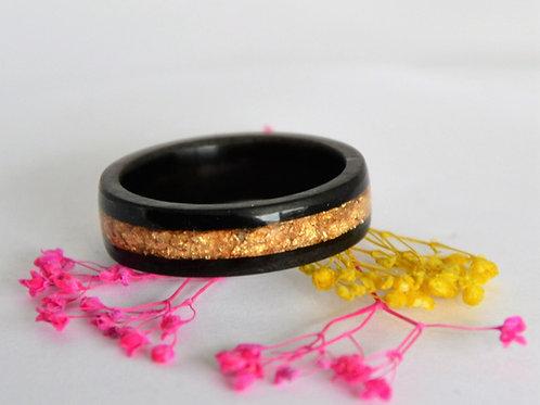 Bague en bois,  anneau en bois courbé ébène avec des feuilles d'or
