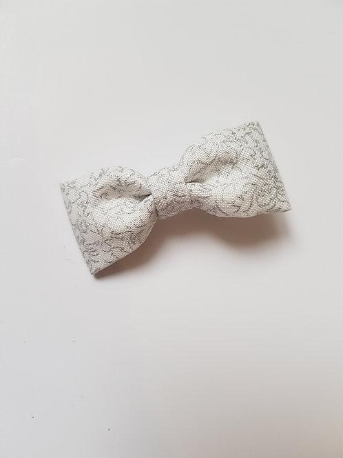 Barrette blanche irisée argent