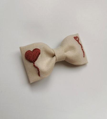 Collab AZBRODERIE - Barrette envolée de cœurs