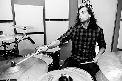 Alex sanchez recording drums in Eldana Studios.