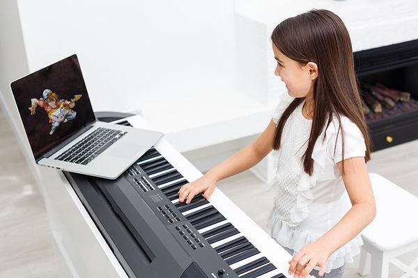 Piano kleiner MUKL Kopie.jpg