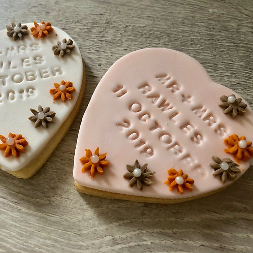 Large Trailing Flower Heart Wedding Biscuits