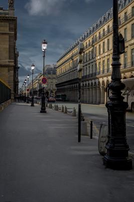Rue de Rivoli au crépuscule