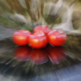 Laure rouge Tomate 2 futuriste