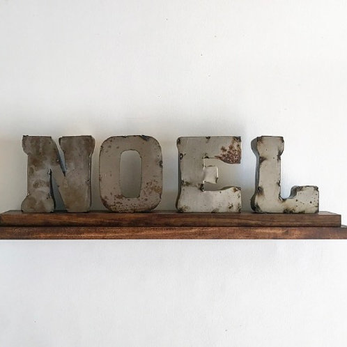 Noel Mantle Piece