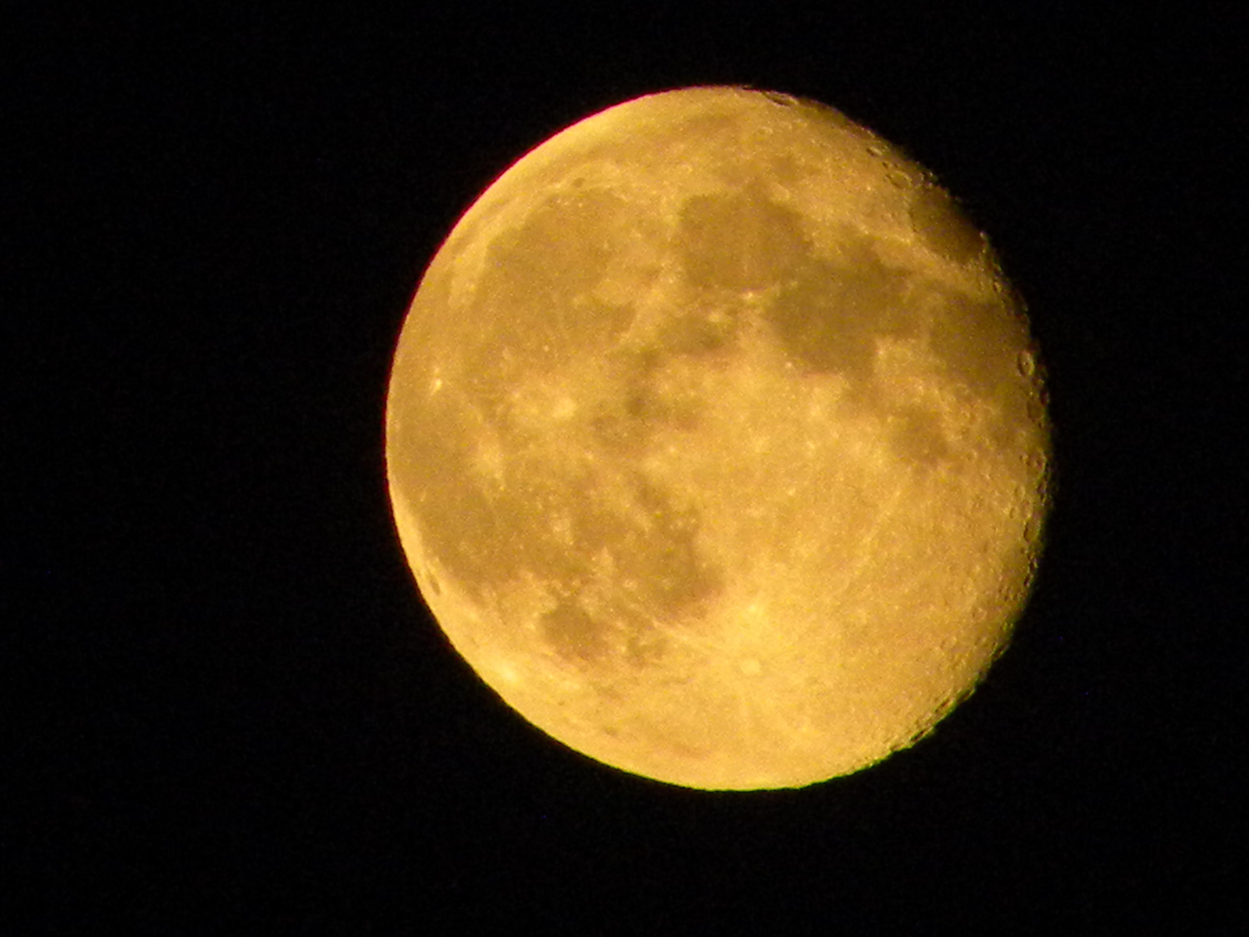 Sob a lua de Milão.