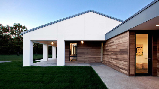 house-2-min.jpg