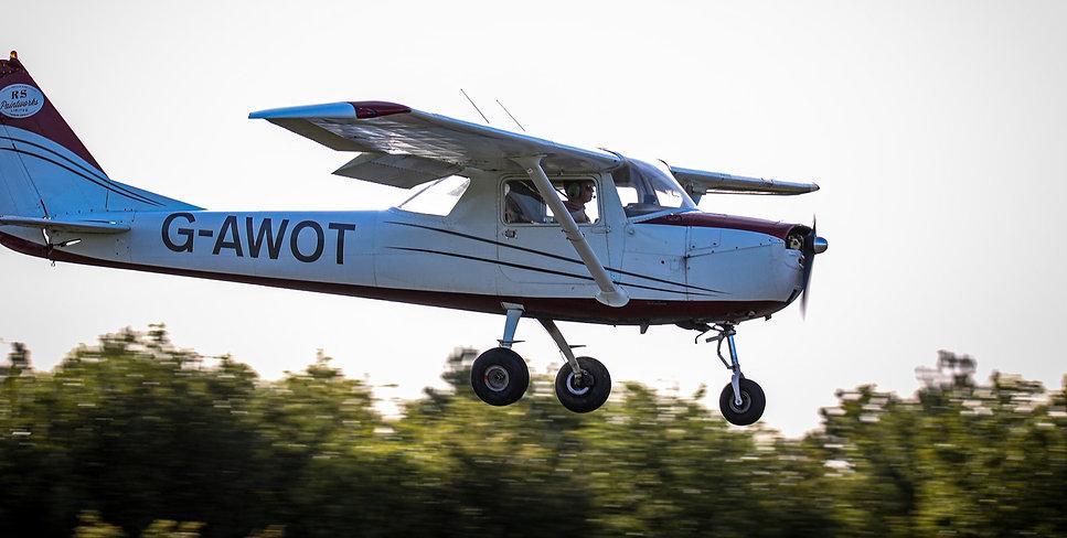 Cessna1504_edited.jpg