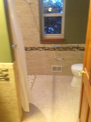 Glen_Mills_Accessible_Bathroom_3.jpeg