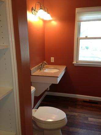 Norristown_Accessible_Bathroom_1.jpeg