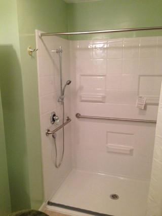 Glen_Mills_Accessible_Bathroom_4.jpeg
