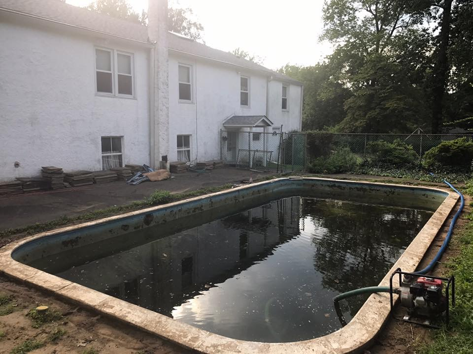Before Removal in Lower Southampton, PA | Robinson Landscape