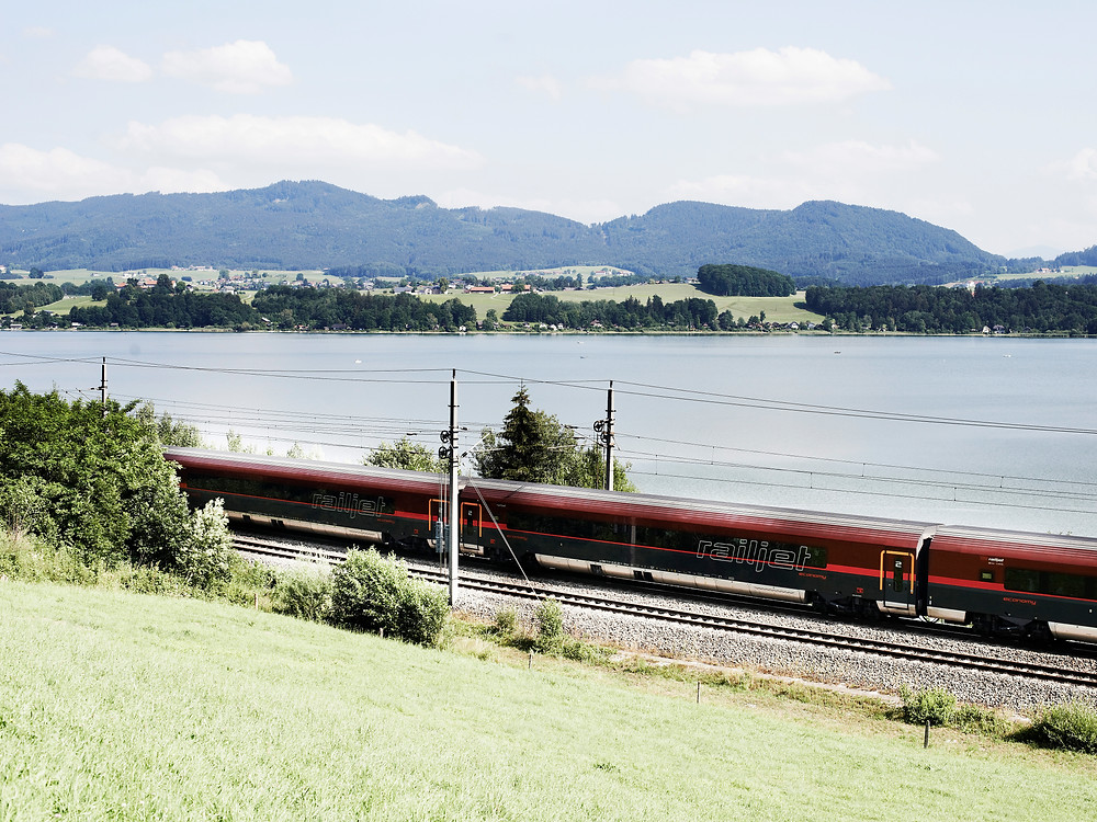 Greek-Austrian venture to launch train route in January