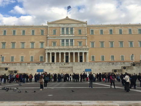 Greek lawmakers demand action on Airbnb