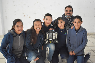 Concurso de robots Colonia Juvenil.JPG