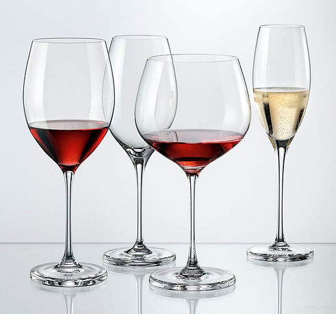 Wine_expert_skupina--resize-642x600!.jpg