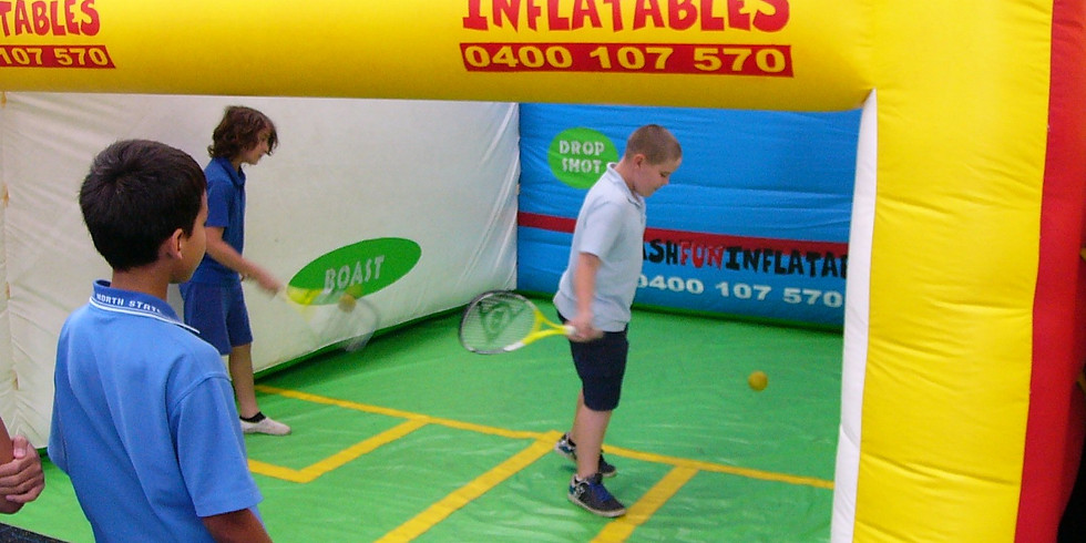 Nafukovací squashový kurt s výukou squashe