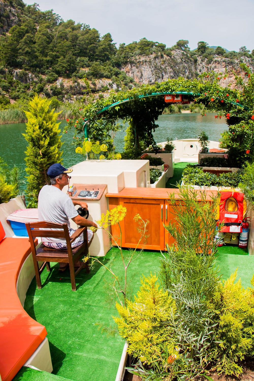 Taner's Summer Garden Botanical Boat