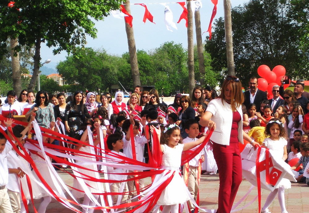 Ribbon Dances in Dalyan