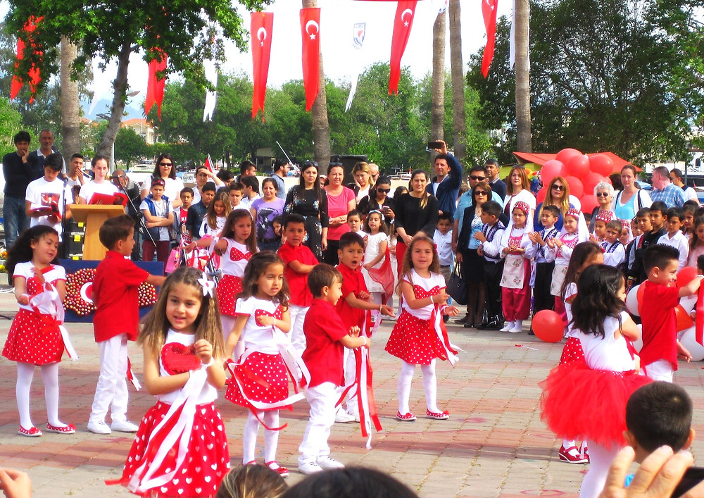 Children Perform in Dalyan