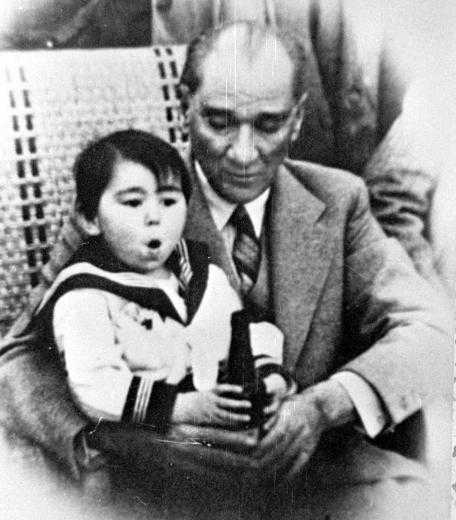 Ataturk with a child