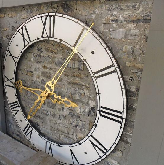 Réparation horloge municipale.jpg
