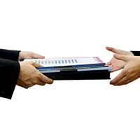 При ликвидации заказчика на этапе подписания контракта - контракт подписывается правоприемником зака