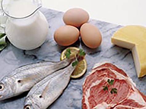 Правительство ограничило госзакупки импортных мяса и рыбы