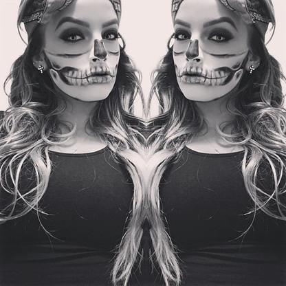 💀 #halfskull inspo _chrisspy #halloween