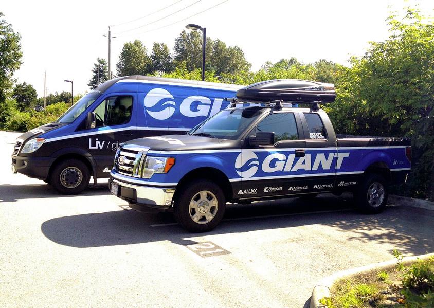 c6bc7d2e522b12db-Giant_Sprinter-Truck-Wr