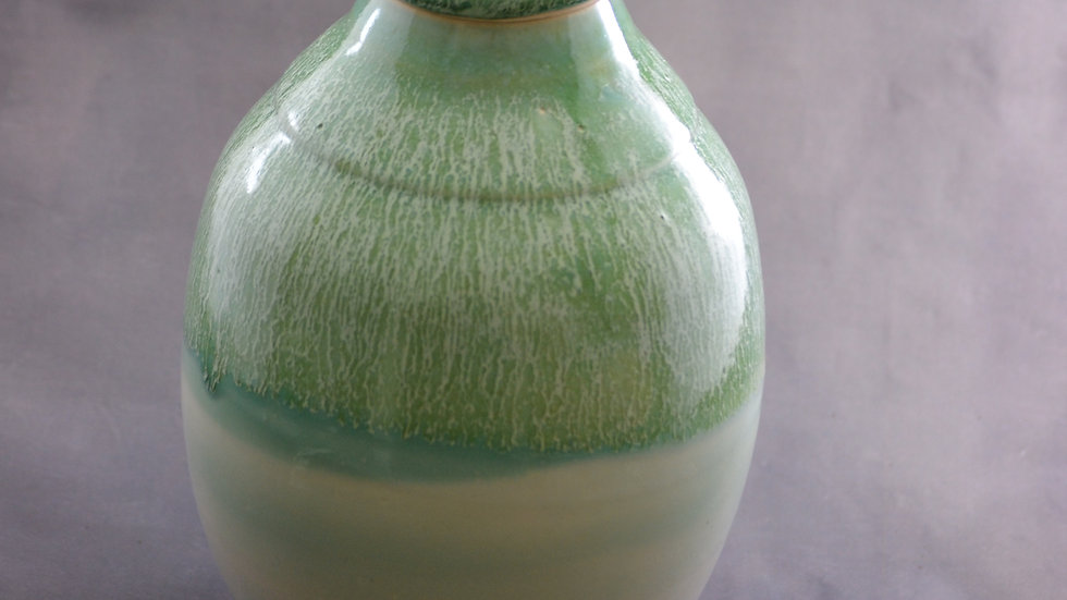 10-3/4 Jar with lid, Cascading green - KAS 542
