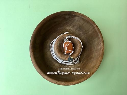 Bianco con Avventurina arancione e charm Buddha