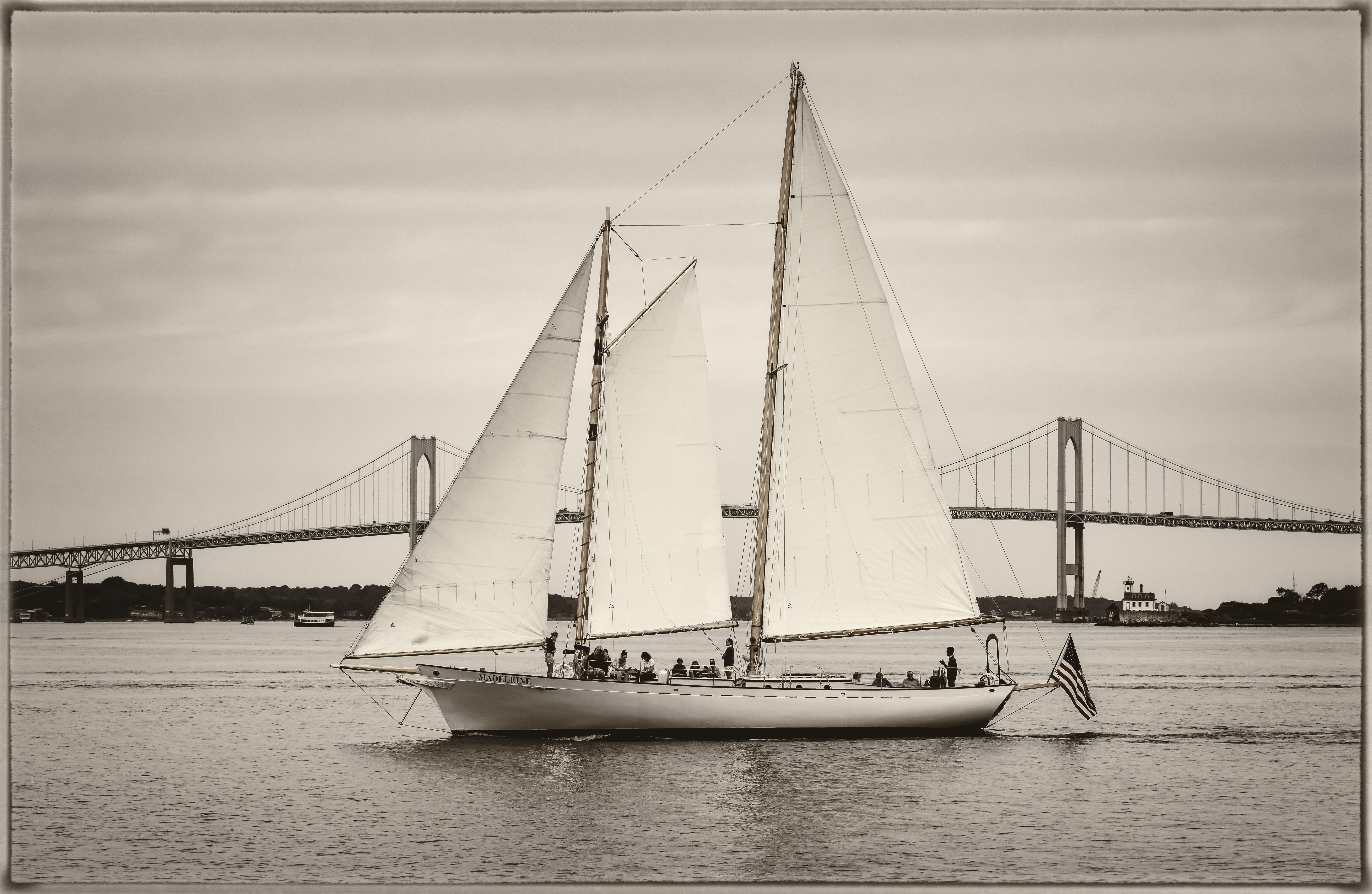 Full sail A Y