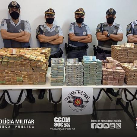 PMESP APREENDE QUASE R$ 12 MILHÕES SEM COMPROVAÇÃO DE ORIGEM