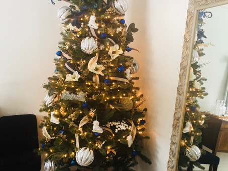 How can you use ribbon on your Christmas Tree?